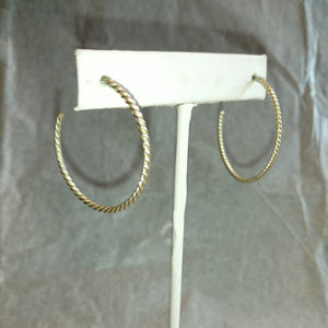 Jewelry - Twisted thin silver hoops